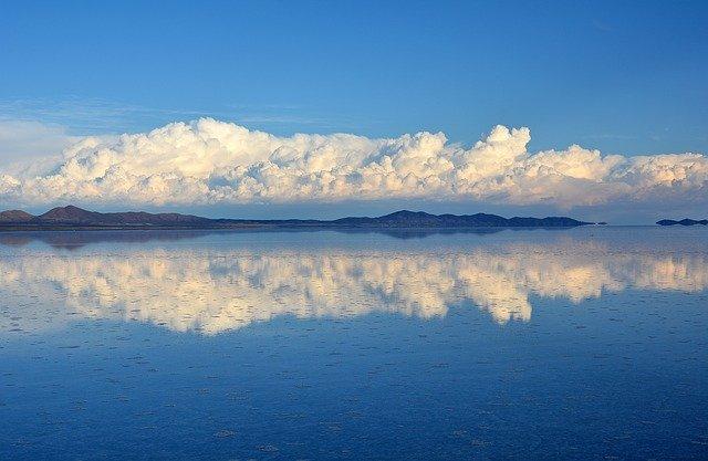 ウユニ塩湖の環境と初音ミクなどの電子音楽の今後が気にかかる